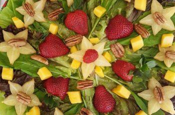 Salada folhas e frutas